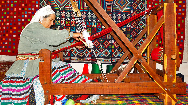 Chadorshab Weaving Experience in Gilan