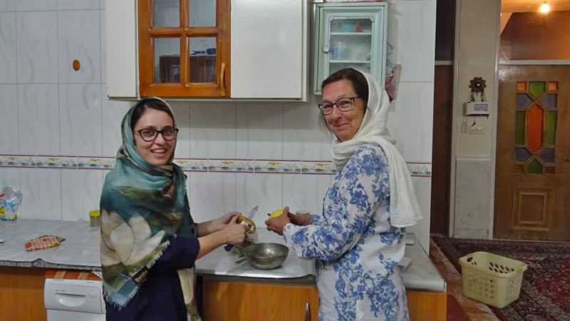 Local Cooking Tour in Varzaneh