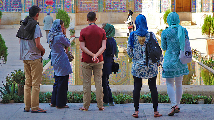 What to Wear in Iran? A Dress Code Guide for Traveling to Iran