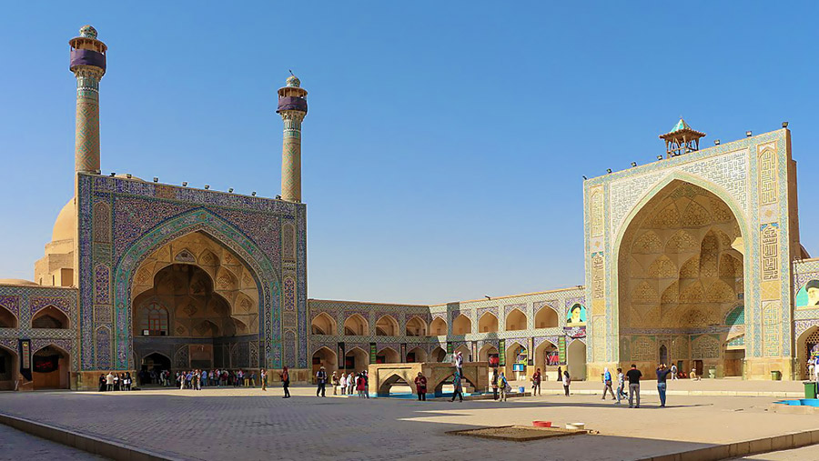 Jame Mosque of Isfahan over Twelve Century of History