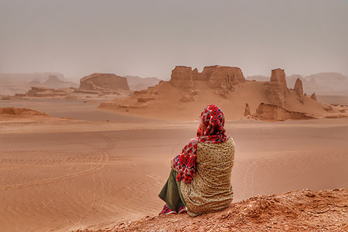 Lut Desert Tour, Under the Spell of the Bare Desert