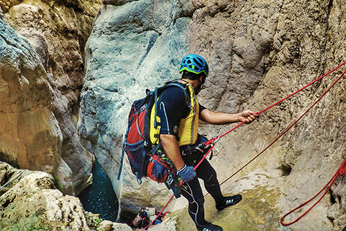 Raghaz Canyon, Adventure of Rappel and Water