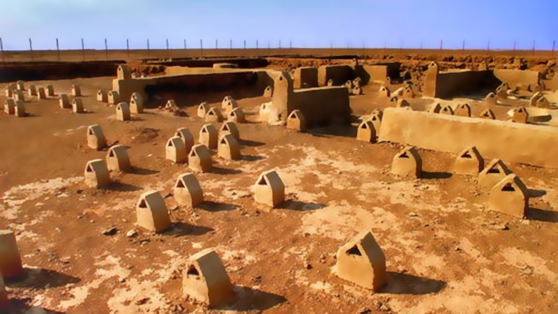 Shahr- i Sokhta, a City with Speaking Burial Graves
