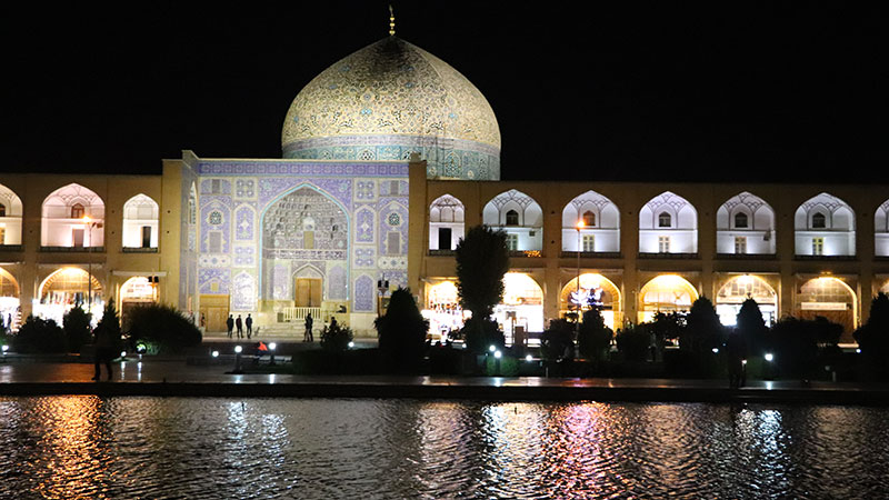 Sheikh Lotfollah Mosque, the Epic of Light and Tiles