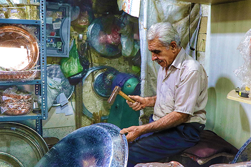 Walking Tour Through the Last Craftsmen of Old Shiraz