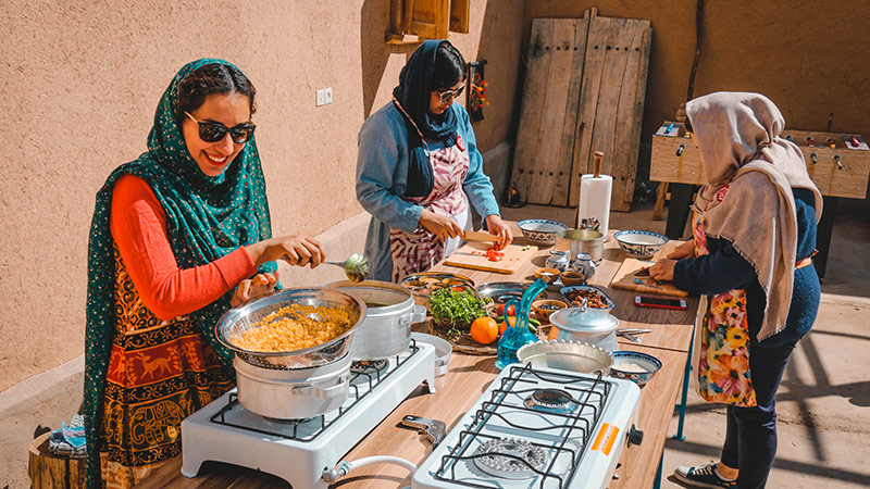 Cook your Feast with the Zoroastrians in Yazd